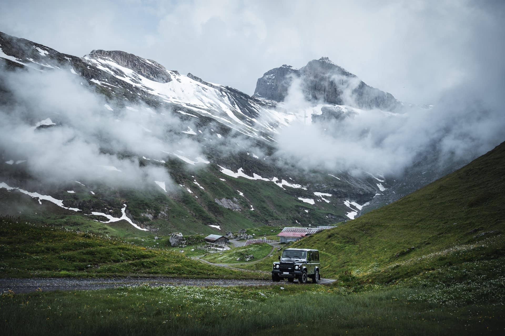 Land Rover Defender-6
