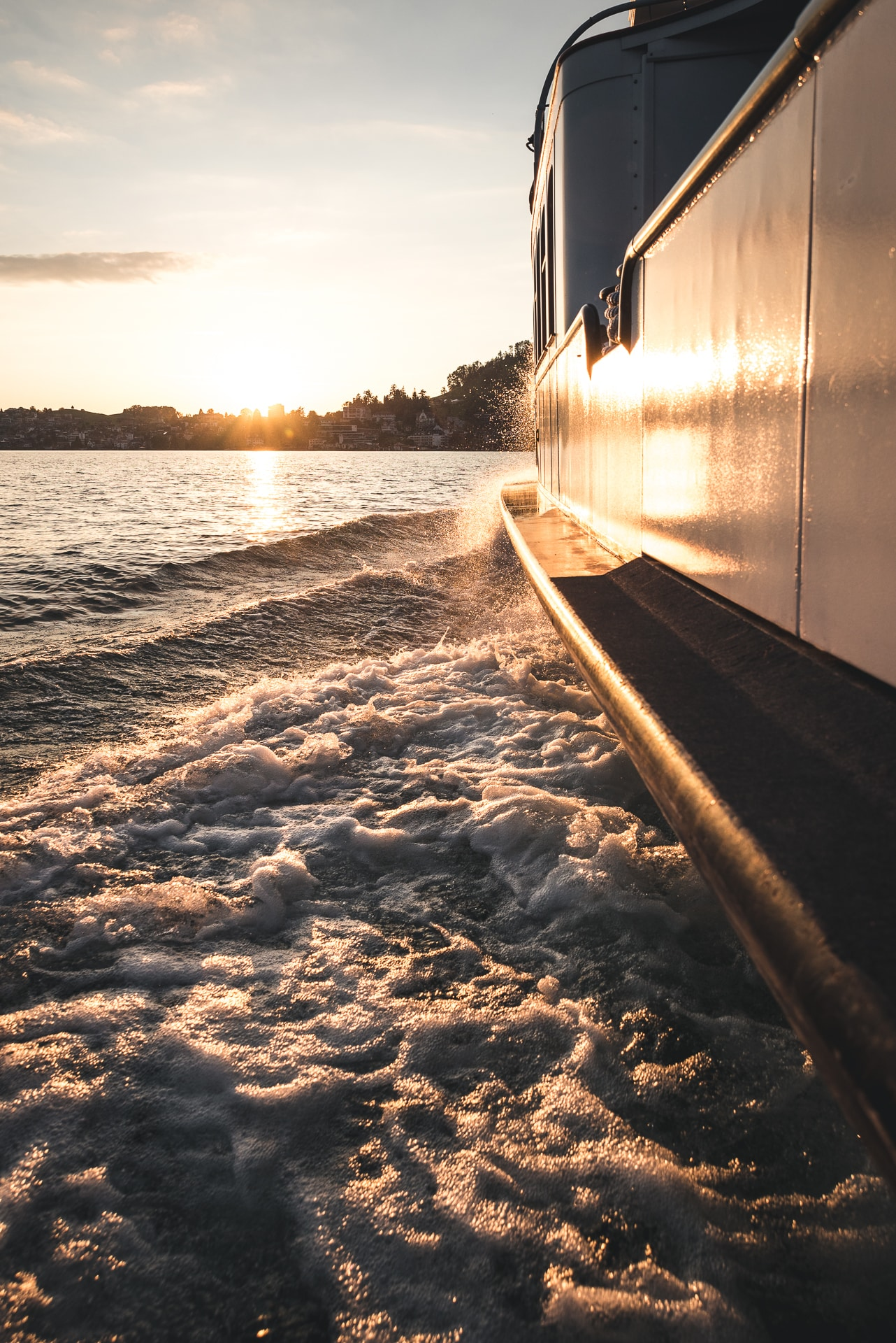 Vierwaldstättersee Sonnenuntergangsfahrt Schiff