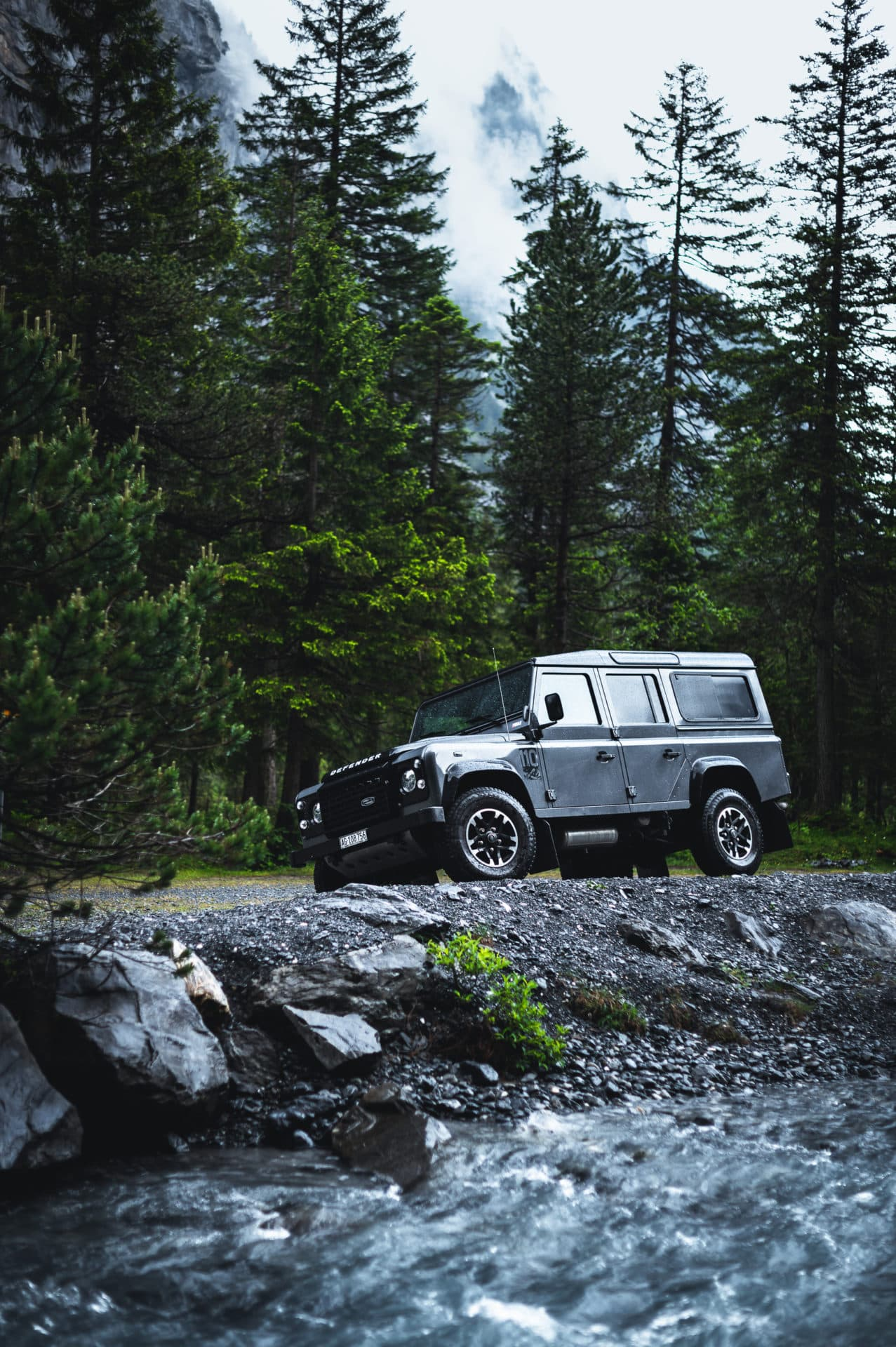 Land Rover Defender-3