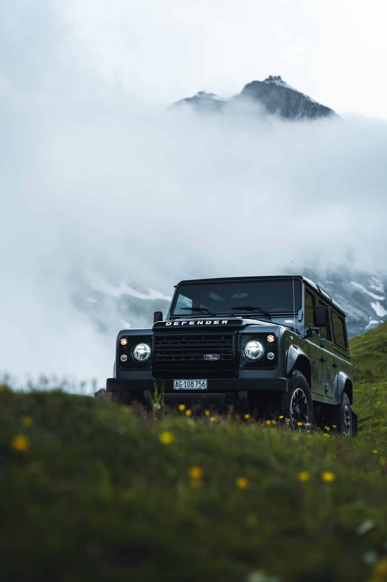 Land Rover Defender-7